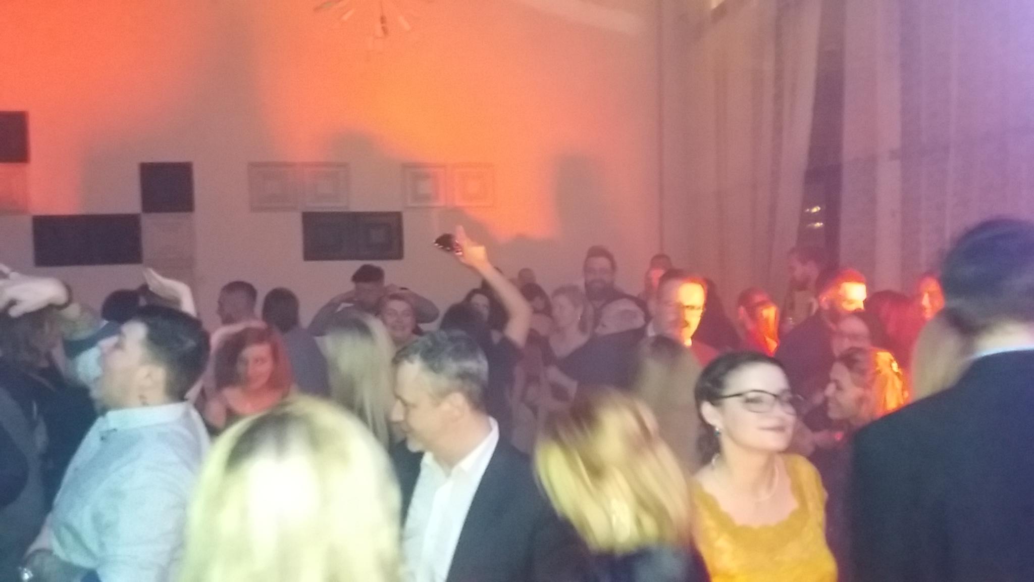 Neratovice Filmový ples  atmosféra 14.2.2020.jpg
