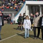 Hradec Králové 6.3.11 úvod utkání s Českými Budějovicemi/Miss, primátor/uprostřed/ a gen. řed. FC HK R.Jukl
