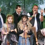 Moderace Čarodějnického programu Mladá Boleslav 30.4.11 - vedení města Mladá Boleslav s primátorem MUDr.R.Nwelatim/zleva/ více na www.mb-net.cz