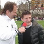 S fotbalovým reprezentantem a hradeckým odchovancem Václavem Pilařem 10.4.2012 více na www.fchk.cz