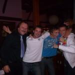 S fotbalisty FC HK –zleva  R.Ottmar, P. Dvořák, Marek Plašil 'Havaj Party'